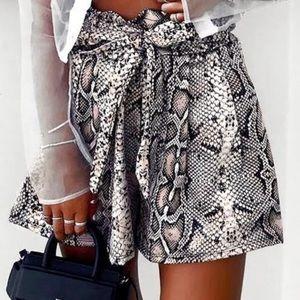 Pants - Snakeskin Pattern Shorts